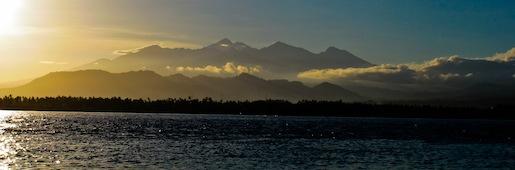 Sunset Mount Rinjiani Volcano Gili Air Divers - Gili Meno Divers Gili Trawangan Lombok Bali Indonesia