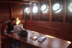 The living room   Gili Air Meno Divers - Antares Liveaboard Komodo - Croisieres Plongee - Indonesie - Indonesia - Bali - Flores